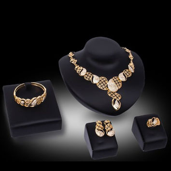 Golden Cut Out Rhinestoned Jewelry Set