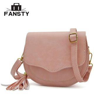 2016 New Arrival Women Preppy Style Circular Shoulder Bags Korean Tassel Woman Messenger Bag Girl's Small Saddle Cross Body Bag