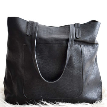 Olivia Carry All Tote In Black