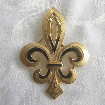 Vintage Crown Trifari Fleur De Lis Brooch, Trifari Fleur Pin, Large, French Style Jewelry