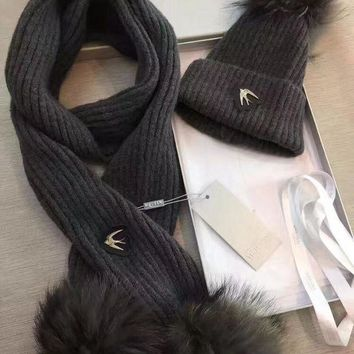 DCCKNQ2 Alexander McQueen Fashion Beanies Knit Winter Hat Cap Scarf Scarves Set Two-Piece3
