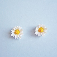 Daisy Daisy Studs | Eclectic Eccentricity Vintage Jewellery