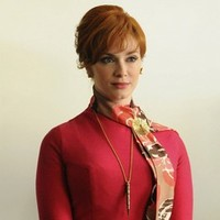 Hendricks talks 'Mad Men' signature fashion