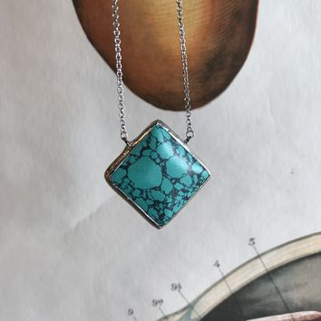 Green/Turquoise Stone Necklace