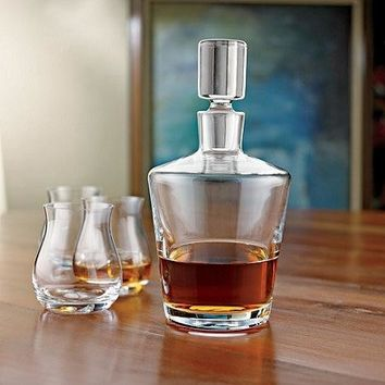 Wine Enthusiast Ambassador Whiskey Decanter (Color: Clear)