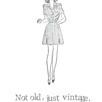 Not Old Just Vintage Birthday Card | Funny Retro Fashion Humor Women 1940's Clothing Cute For Her Quirky Hipster Mom Grandma Girlfriend