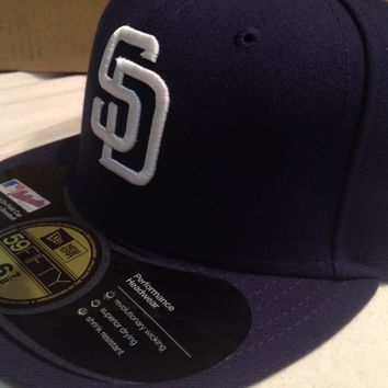 BRAND NEW SAN DIEGO PADRES RETRO NAVY ONFIELD FLAT BRIM NEW ERA 5950 FITTED HAT