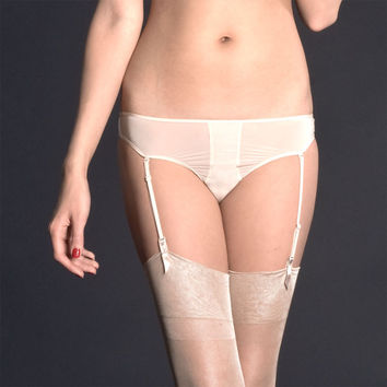 Maison Close: Exquise Allure Thong with Detachable Garters