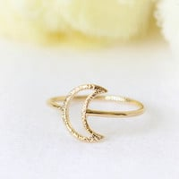 Textured Crescent Moon Ring / Choose your color / gold, silver