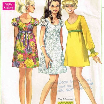 Simplicity 7631 Sewing Pattern 60s Retro Mini Baby Doll Dress Empire Waist Puff Sleeves Mod Fashion Bust 36