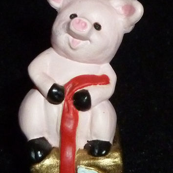 Hallmark Merry Miniature Christmas Pig Sitting On Package Figurine