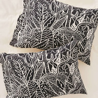Kris Tate For DENY The Garden Pillowcase Set - Urban Outfitters