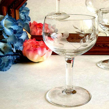 FOUR Vintage etched sherry, cordial, aperitif glasses, Mid Century bar ware barware, elegant stemware stemmed, cut etching