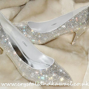 Crystal Encrusted Cinderella Glass Slipper Fairytale Style Bridal Wedding Shoes Mid Heel Stiletto Shoes Bling Rhinstoned Customized Clear