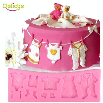 Delidge 1 pc Lovely Baby Clothes Silicone Fondant Mold 3D Cupcake Chocolate Candy Pastry Mold Wedding Cake Decorating Tools
