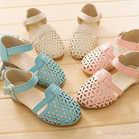 Hot Sales Fashion Girls Sandals Faux Leather Hollow Out Breathable Solid Children Shoes Girls Beach Sandals Size 26-33 VY0022 salebags
