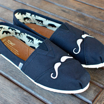 Mini Mustache TOMS Mens sizes