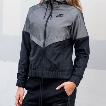 Nike W NSW Windrunner Jacket Black&Grey