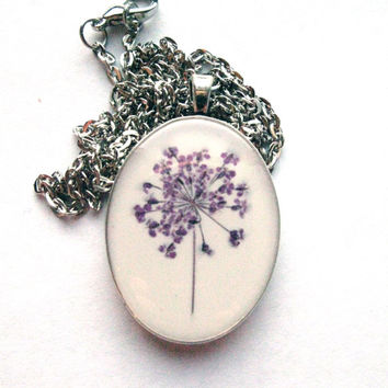 Beautiful Purple Pressed Queen Anne's Lace Resin Pendant Necklace - Real pressed flower encased in resin, Pressed Flower Jewelry