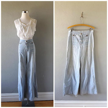 denim bell bottom 60s jeans - vintage light blue cotton wranglers - high waist blue jeans - size 31 waist - hippie boho wide leg trousers