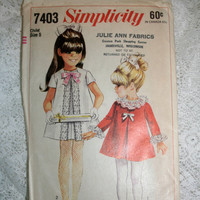 Girls Dress Pattern Size 5 Vintage Simplicity 7403 Trapeze Dress Girls 1967 Adorable 60s Dress Pattern Short or Long Sleeved Dress