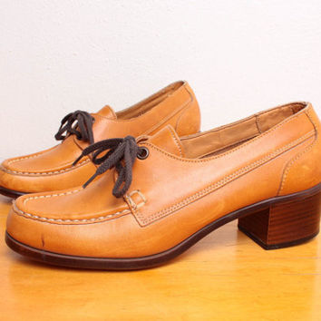 Vintage 1970s Stacked Heel Oxfords in Orange / by pineapplemint
