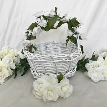 White Flower Girl Basket, White Wicker Basket, Beach Basket, Farmhouse Basket, Boho Wedding Basket, White Basket, Home Decor Basket