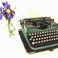 typewriter / vintage green typewriter / working royal typewriter /antique typewriter / art deco art nouveau royal portable model 2 1930 1920