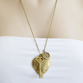 heart locket necklace,skeleton key charm locket,personalize,extra long necklace,best friend necklace,bridesmaid gift,large heart locket gold
