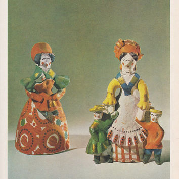 Folk Art Book -- Dymkovo Toys by L. Diyakonov (In Russian). Hardcover, 8''x10'', 31 bright photos -- 1965