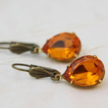Golden Topaz teardrop rhinestone earrings. Vintage style glass jewel earrings. Old Hollywood Jewelry