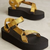 Teva Universal Flatforms in Gold Size: