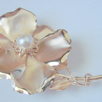 Very Large Retro Floral Faux Pearl Gold Tone Brooch / Vintage Jewelry / Jewellery