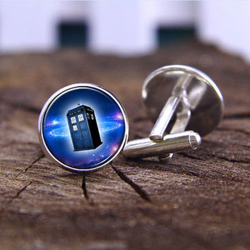 Cufflinks,Vintage Doctor Who police box Cufflinks ,silvery cufflinks ,wedding cufflinks,bride&bridemen gift