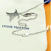 LV Louis Vuitton Fashion New Letter Women Men Personality Necklace Accessories Silver