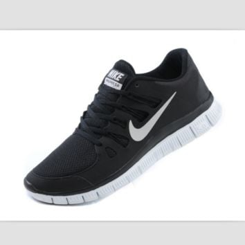NIKE running breathable casual shock Damping running shoes Black and white