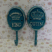 King Queen Crown Pair His Her Cast Iron Lagoon Teal Blue Aqua Wall Hooks Decor Shabby Cottage Chic Leash Jewelry Key Bathroom Towel Hook