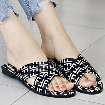 FENDI Summer Fashion Women Casual Simple F Letter Print Flat Slipper Sandals Shoes Black