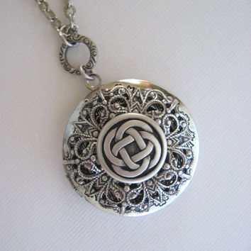 Celtic Knot, LOCKET, Silver Locket, Celtic Knot Pendant, Filigree Locket,Lockets,Celtic Jewelry,Locket Necklace, Celtic Knot Necklace,Irish