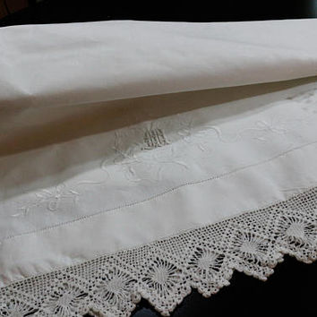 Pair King White Linen Pillow Cases, Crochet Edging, White Embroidery, Monogrammed M, Luxury Linens, Wedding Gift, Vintage Linens