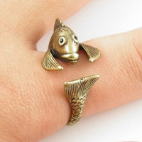 Retro Adjustable Golden Fish Animal Wrap Ring