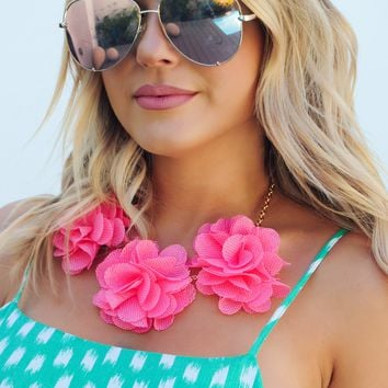 Flower Queen Necklace: Coral