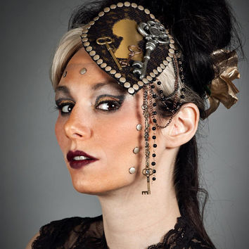 Steampunk Skeleton Key Hole Lock Black Lace Fascinator Brass Headdress Lace Gold Keyhole Beaded Chain Headpiece Costume Party Cocktail Hat