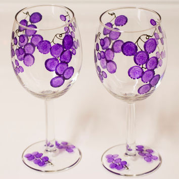 CHRISTMAS WINE GLASSES gift idea, hand painted grape wine glasses, holiday wine glasses purple grape, one of a kind, heat cured wine glasses