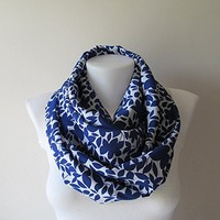 Blue White Infinity Scarf, Leaf Print Infinity Scarf, Leaves Scarf, Women Scarf, Circle Scarf, Loop Scarf, Fall Winter Spring Summer Fashion