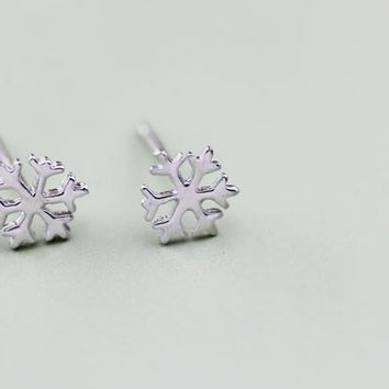 Delicate snowflake 925 sterling silver earrings, a perfect gift