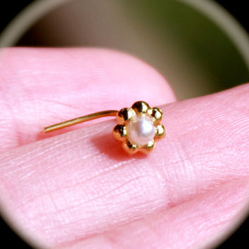 Pearl Flower Nose Stud,  Pearl tragus, cartilage Stud, Daith, Nose Ring, Pearl  Nose Ring, Nose Ring