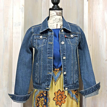 90s Levis Denim jacket / size XS / S / dark wash  / jean jacket