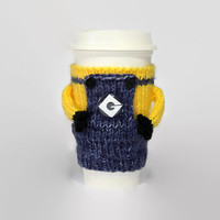 Minioin coffee cozy. Despicable me mug sweater. Coworker gift. Coffee funny. Minion travel mug sleeve. Despicable me gift. Minion shirt.