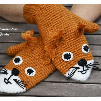 Orange squirrel Mittens, Crochet Mittens, squirrel gloves , animal Mittens , Mittens made to order